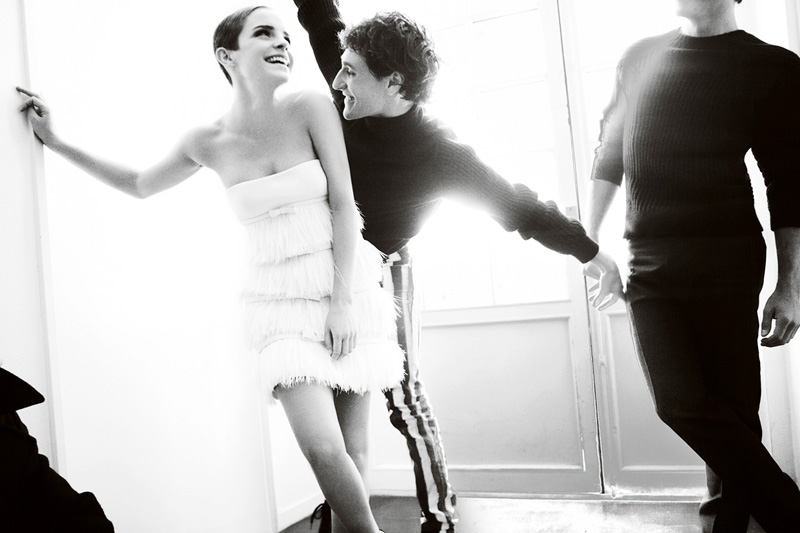 Emma-Watson-by-Mario-Testino-for-Vogue-UK-DesignSceneNet-05