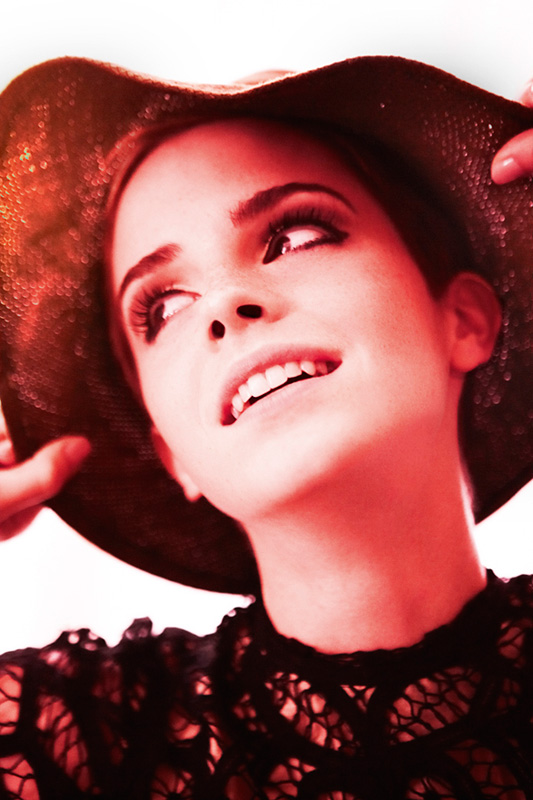 Emma-Watson-by-Mario-Testino-for-Vogue-UK-DesignSceneNet-08